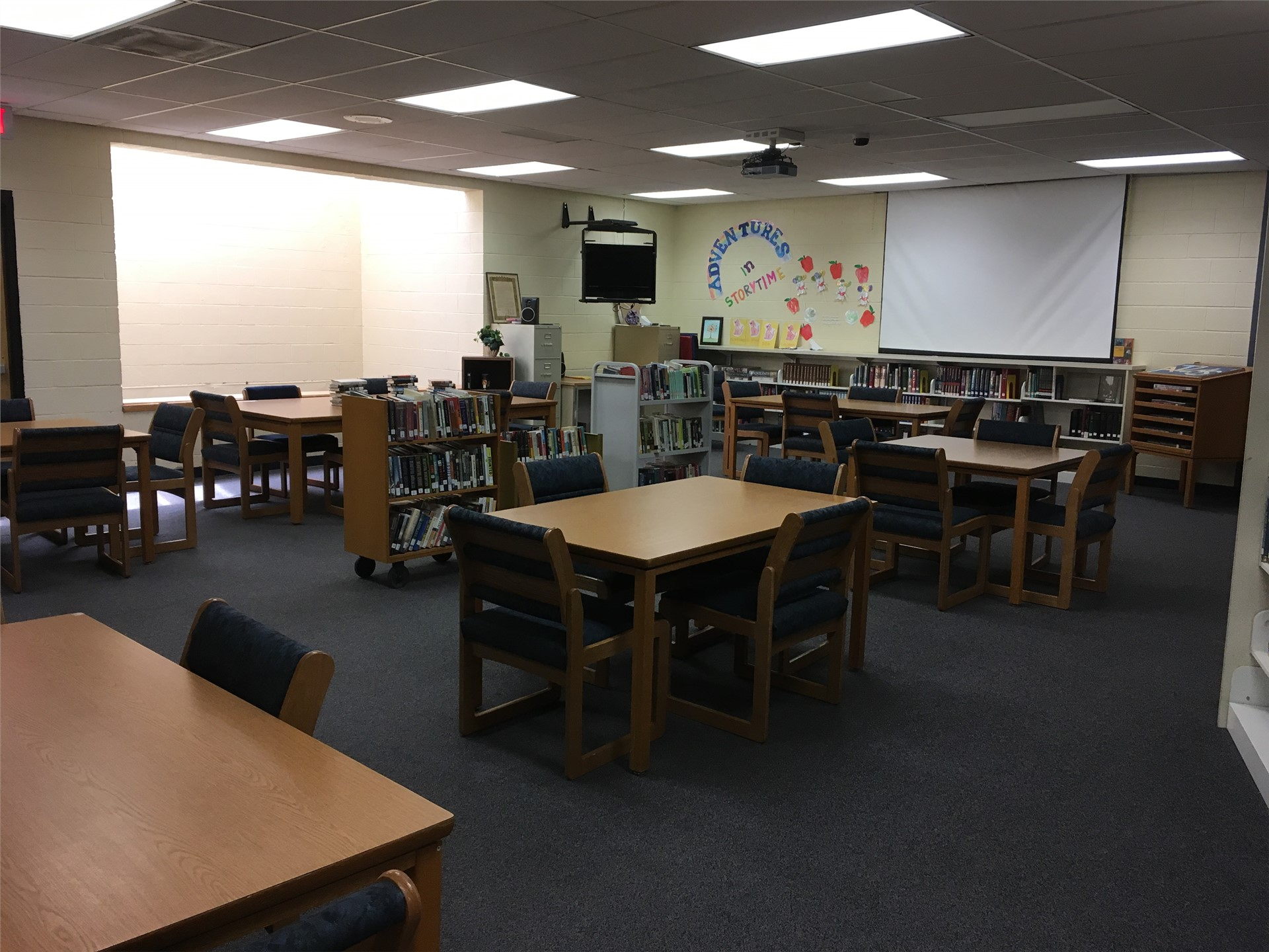 Ruidoso High School (RHS) Library